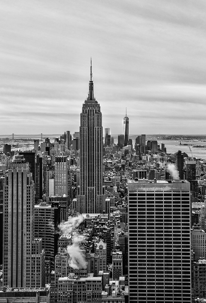 New York - Empire State Building black/white